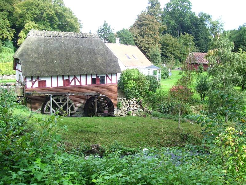Old watermill by beautiful lake, vacation rental in Funen and Islands