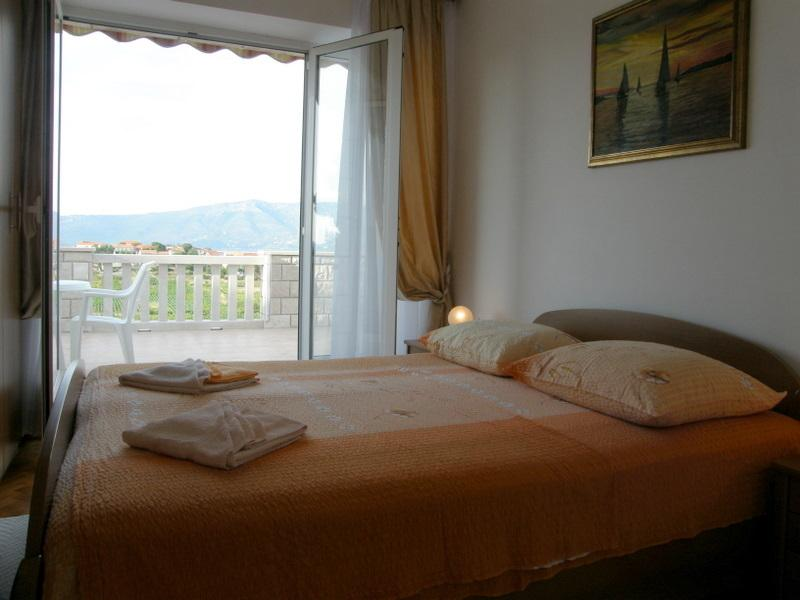 Cozy app with magnificent view, vacation rental in Lumbarda