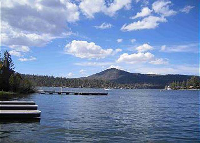 Private Boat Dock on this awesome spot on the lake