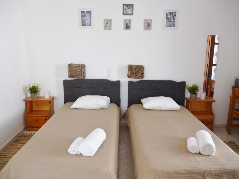 zona de noche: 2 camas individuales o unidos a hacer un doble extra grande