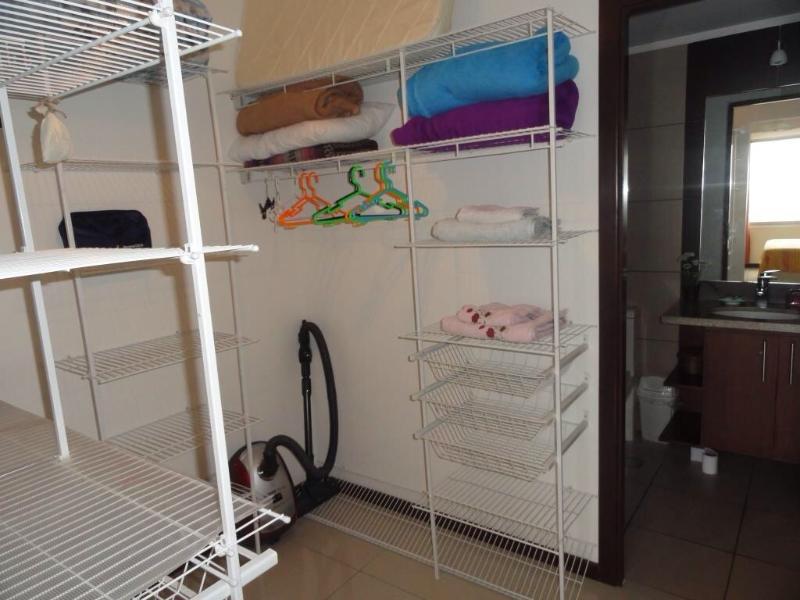 Garde-robe et salle de bain Suite