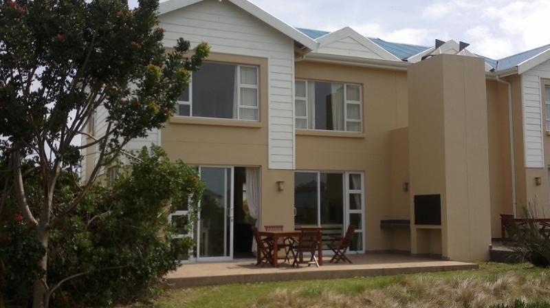 Fully furnished self-catering 2-bedroomed Lodge in secure estate. Free WiFi. Overlooks outdoor pool