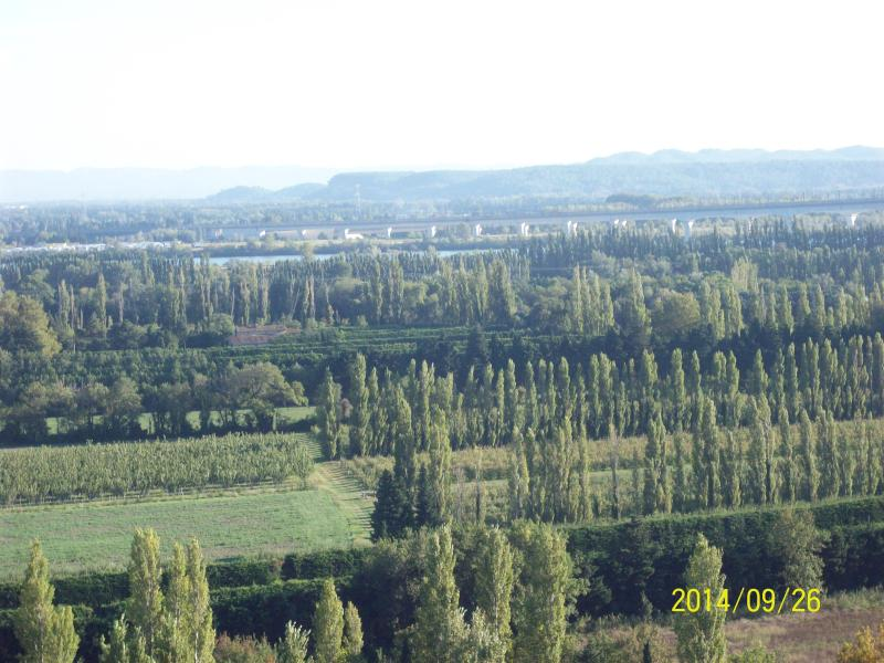 at the foot of the village the plaine of the angles who is ettend towards the River (Rhône)