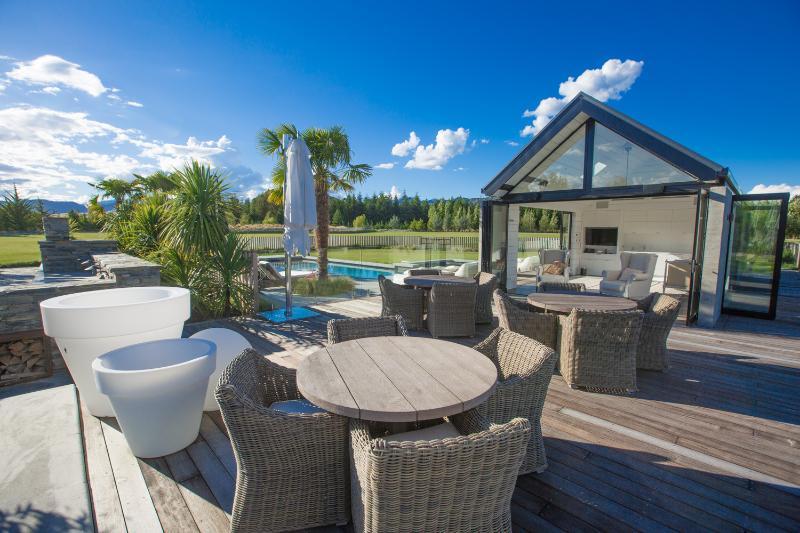 Rilascia Wanaka - Horseshoe Bend Estate, una splendida location per matrimoni o una casa per le vacanze per un gruppo numeroso.