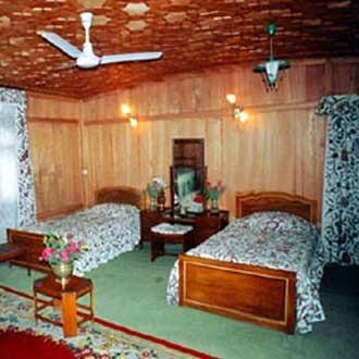 Gulmarg accommodation chalets for rent in Gulmarg apartments to rent in Gulmarg holiday homes to rent in Gulmarg
