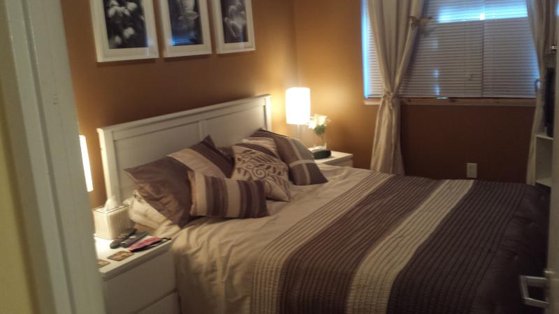 A Home Away From Home (Clean, quiet, relaxing), vakantiewoning in Markham