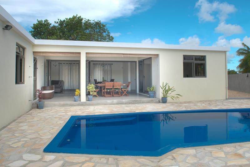 Modern spacious villa with own pool,close to beach,amenities, excellent location, vacation rental in Mauritius