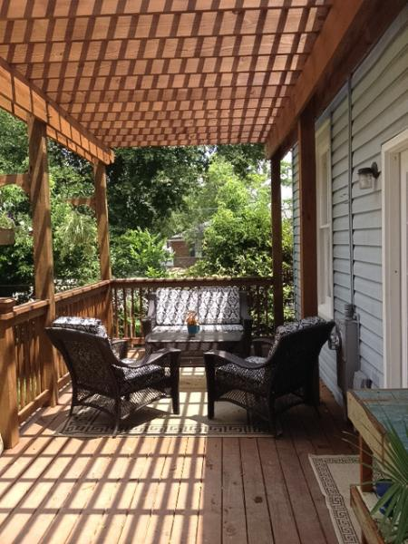 Back deck patio furniture