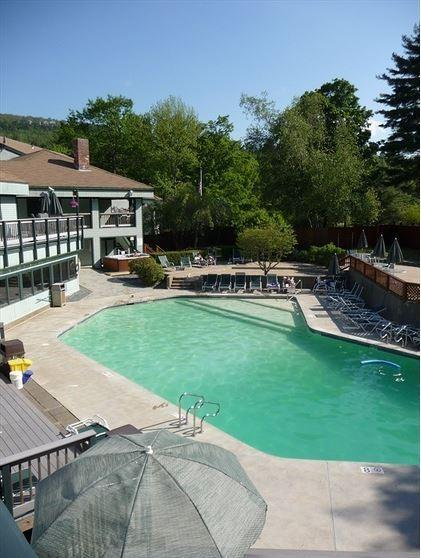 Waterville Estates Community Center Outdoor Pool Deck