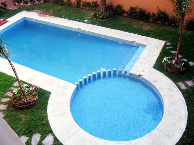 piscina con questi 2 stagni