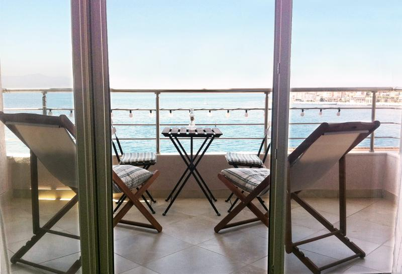 Apartment Overlooking the Sea, holiday rental in Saranda