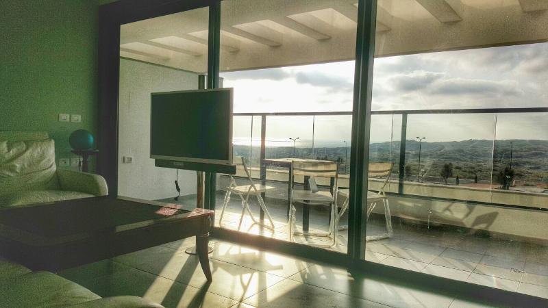 Beautiful 5 room SV new apartment, alquiler vacacional en Netanya