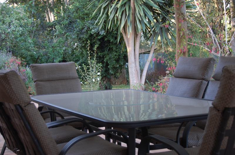 Die Veranda, wo Sie Ihr Frühstück haben können, wenn das Wetter es zulässt