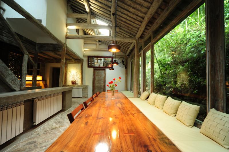 Beautiful mountain villa near Shanghai China, aluguéis de temporada em Hangzhou