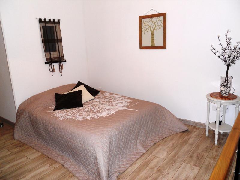 Espace salon transformé en lit