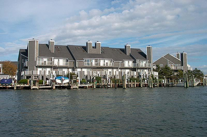 Waterfront,Building,Downtown,Town,Hotel