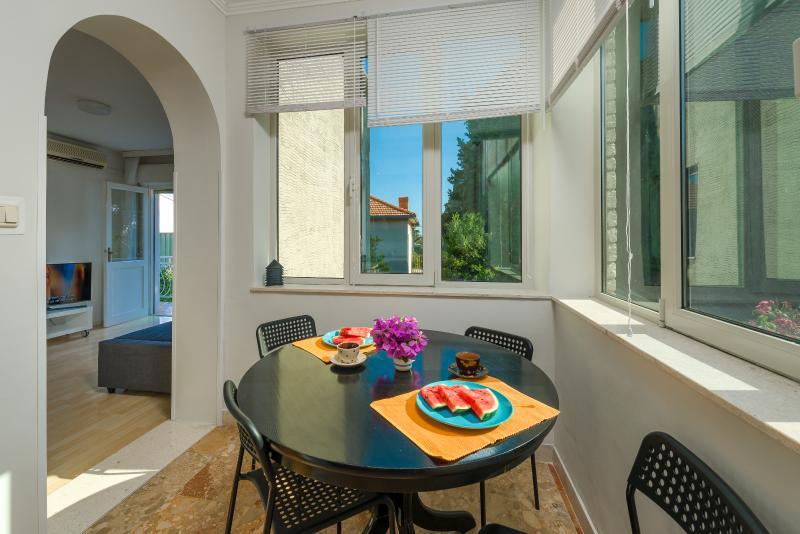Garden apartment, casa vacanza a Kastel Luksic