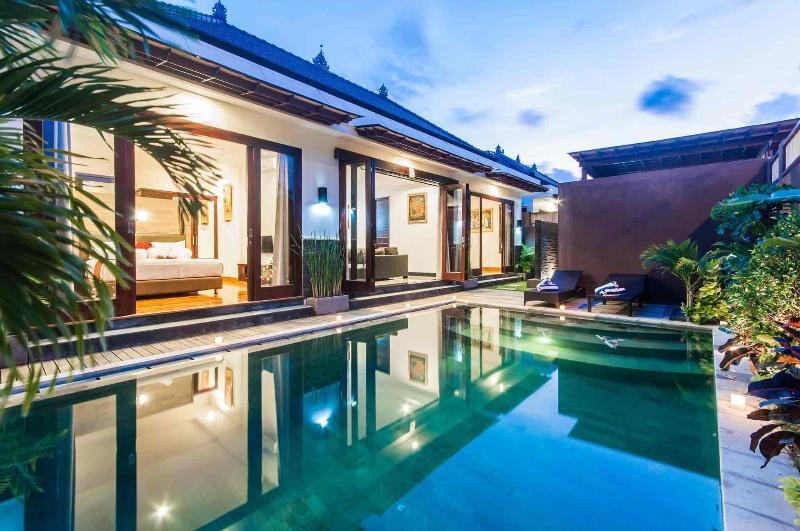 Modern Minimalist Bali Villa In Seminyak For Rent Updated 2021 Tripadvisor Seminyak Vacation Rental