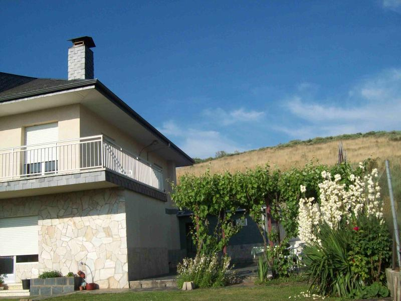 Riego de ambros, holiday rental in Penalba de Santiago