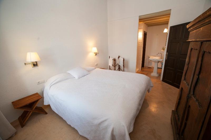 Los Pozos de la Nieve Apartamento LUNA, vacation rental in Constantina