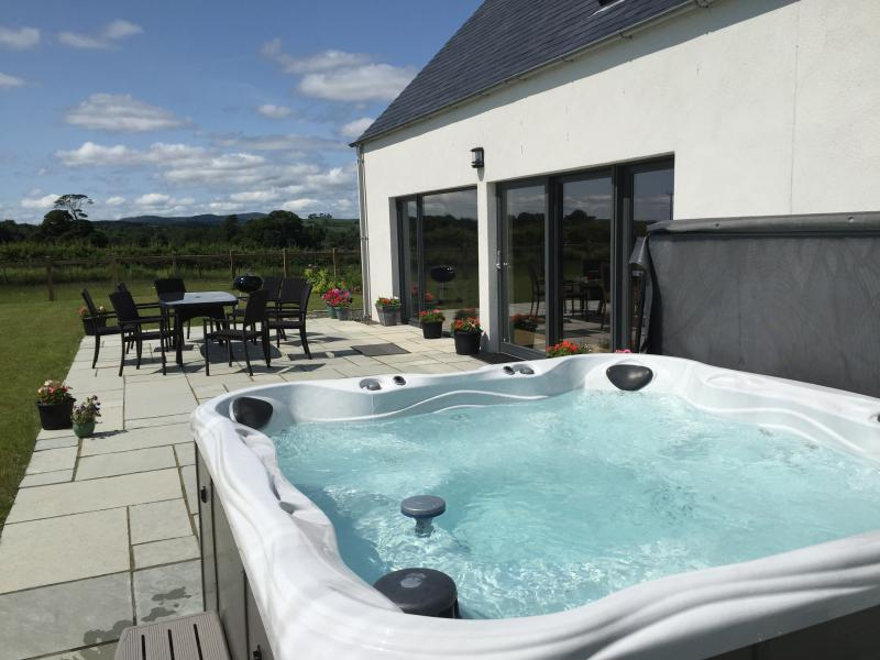 The bubbling hot tub!!