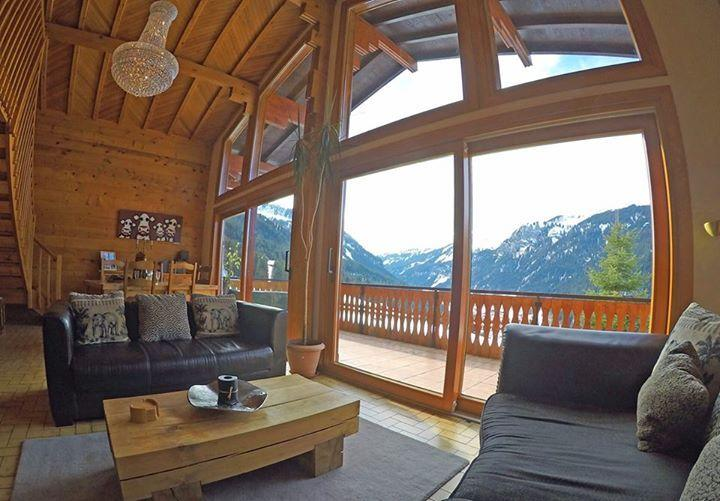 Lounge of Chalet Lac de Vonnes over looking the mountains