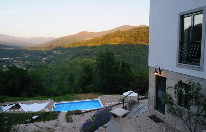 Hoge kwaliteit villa met een prachtig uitzicht op de bergen