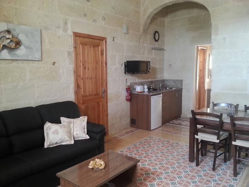 Quayside Apartments - Louisa, vacation rental in Marsaxlokk