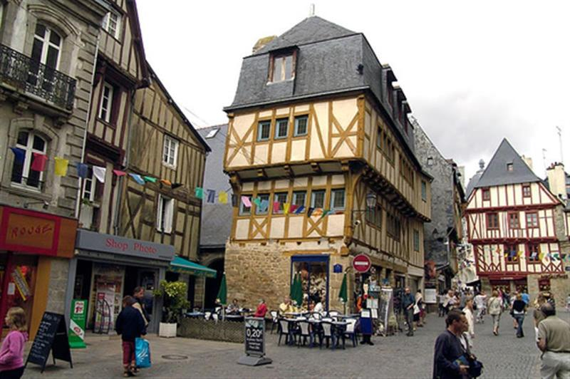OLD SECTION VANNES