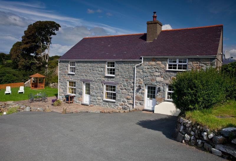 Private and detached self catering farmhouse near Criccieth