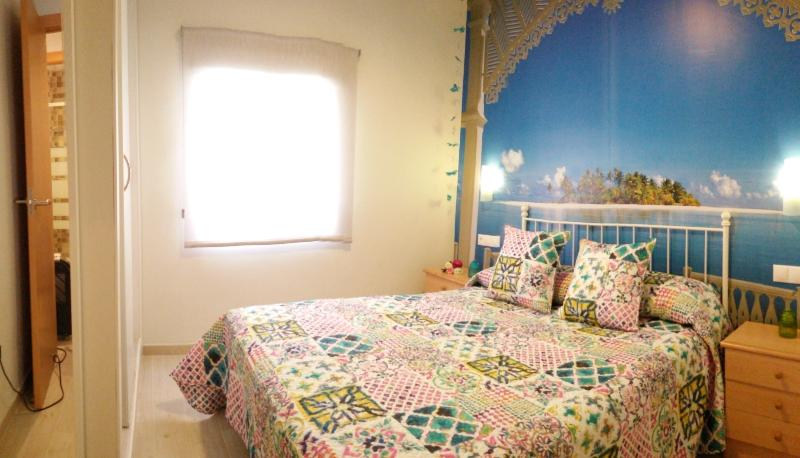 1. Fully equipped bedroom with wardrobe, safe, etc ...