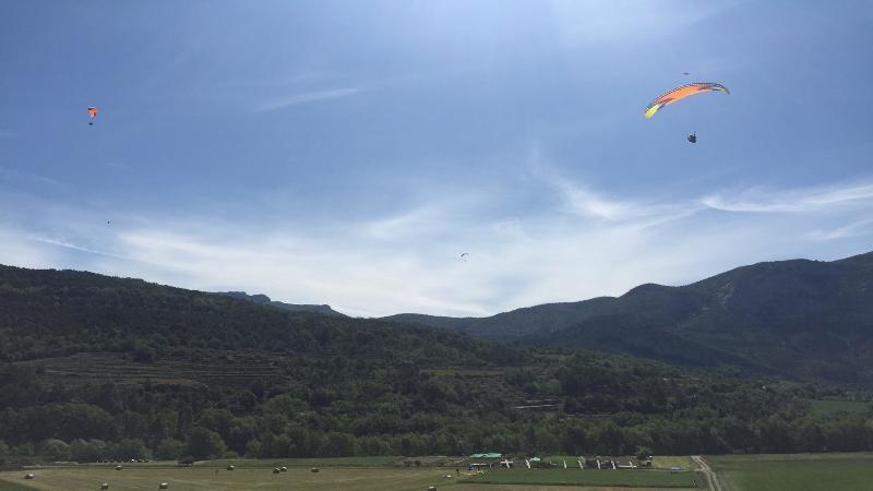Paragliding/Parapenting in Organya - 5 mins away
