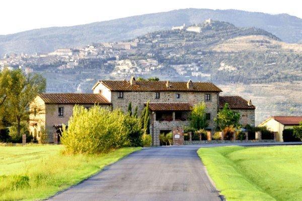 Villa La Mucchia front view