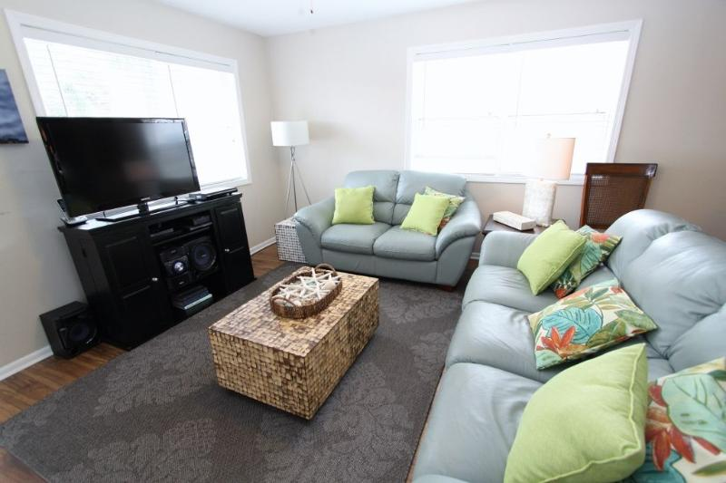 Coral - Living Room with LCD TV