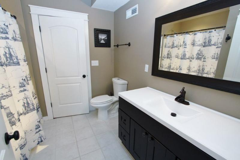 Whitecap - Bathroom with Tub / Shower