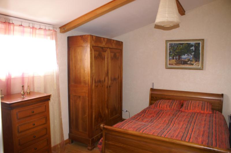 LA BOURIETTE - La CHAMBRE ORANGE, location de vacances à Castres