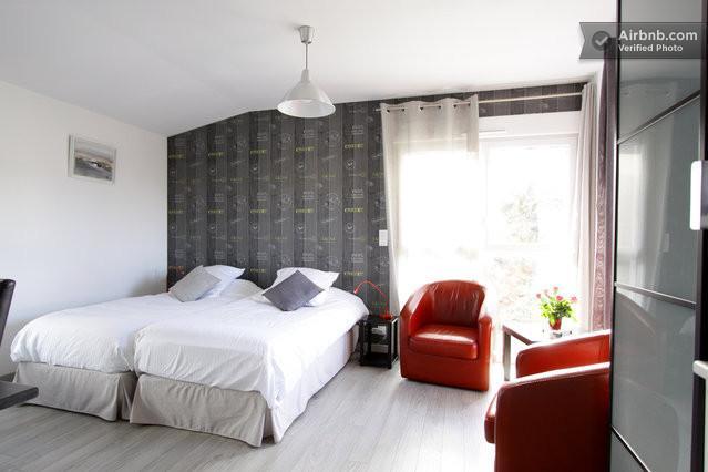 Au Cadran Solaire : 'le Zenith', vacation rental in Nantes