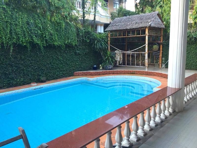 Cozy Retreat Green Villa- Huge Pool, Promo $300/nt, holiday rental in Ho Chi Minh City