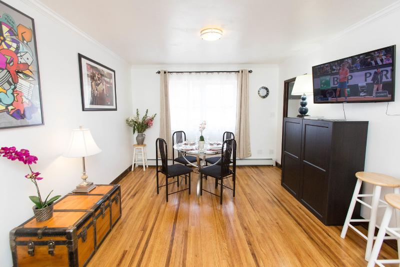 Idy Middle of the BIG APPLE best location #1, holiday rental in New York City