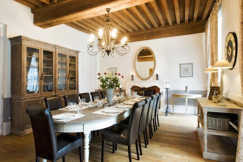 14 lugares-sala de jantar com lareira