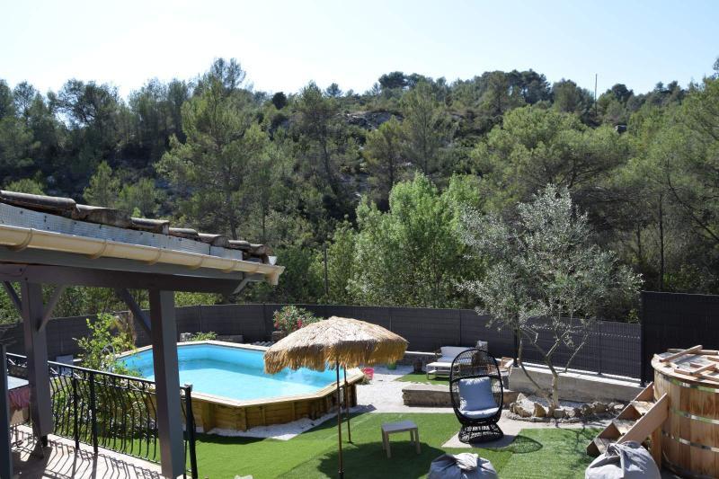 Villa de vacance isolée piscine et spa, vacation rental in Cazedarnes