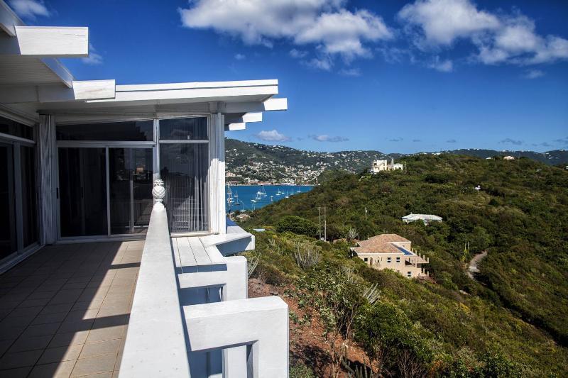 Villa de Caribview este balcón