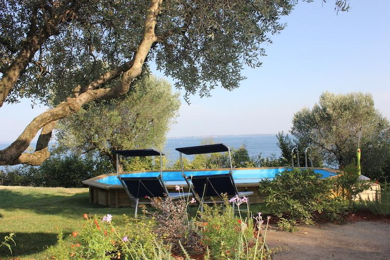 Casa Raffaella Moniga Pool, Waterfront, WIFI, holiday rental in Moniga del Garda