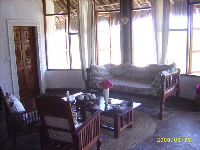 inforgettable vacation in KENYA living room.