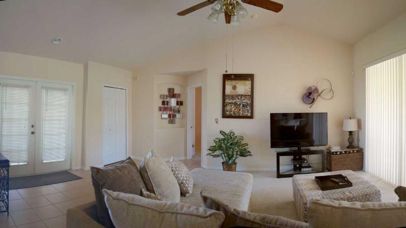 Villa Yellow Hibiscus Living Room