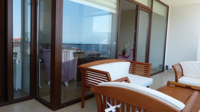 balcony lounge