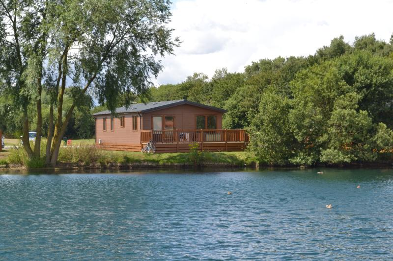 15 Misty Bay - Lake Lodge Hottub WIFI, Tattershall, vacation rental in Tattershall