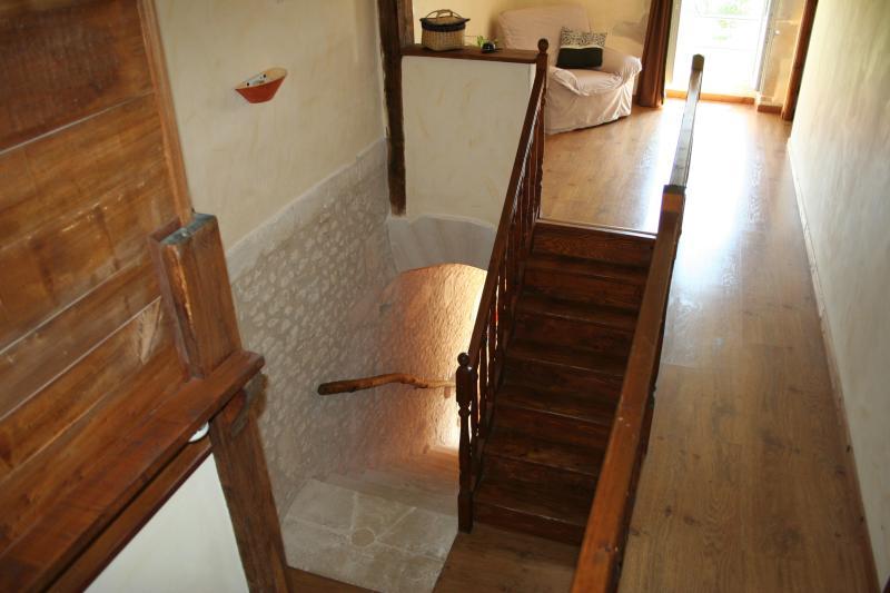 escaliers pierre et bois