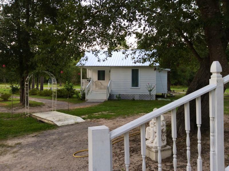 Big Thicket Cottage at Angel Gardens, holiday rental in Kountze