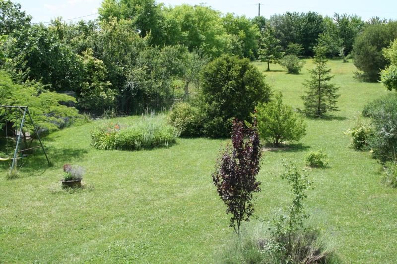 large 8000m2 garden, seen from bedroom 1
